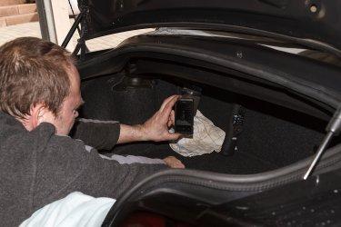 Hydraulikpumpe Trockenlegen Und Sicher In Den Kofferraum